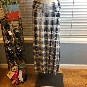 Bobeau | tie dye gray/blue maxi skirt. Size Large